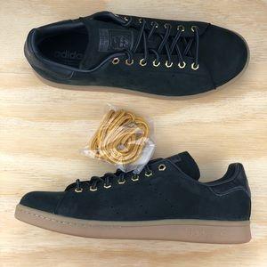 detailed look 1b3b2 e1bbf Adidas Stan Smith WP Black White Waterproof Shoes NWT